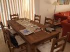 Der Esstisch wird endlich genutzt.