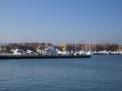 ...dann geht es weiter durch den Hafen