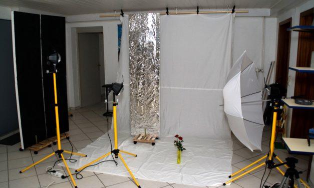 Baustrahler und Backpapier
