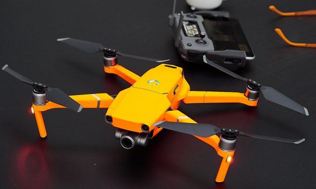 Farbe bekennen: Folierung der Drohne